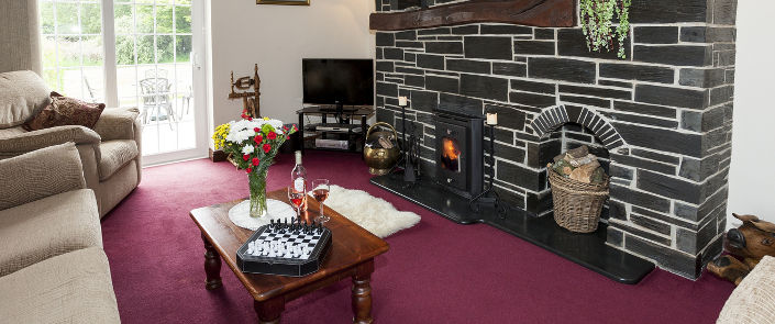 Rhos Wen - Self Catering Pet Friendly Holiday Cottage Accommodation in Criccieth, Snowdonia, North Wales